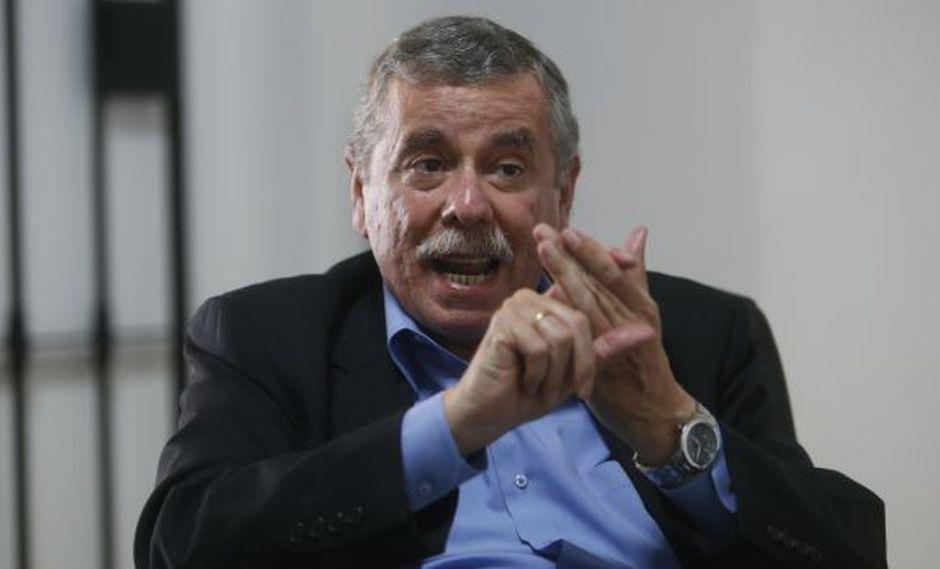 """Fernando Rospigliosi, exministro del Interior: """"Tenemos un gobierno inepto y corrupto"""". (Perú21)"""