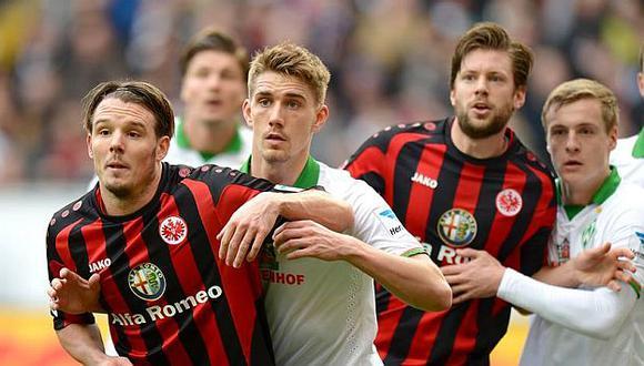 Eintracht Frankfurt jugó casi una hora con un hombre menos. (Facebook Eintracht Frankfurt)