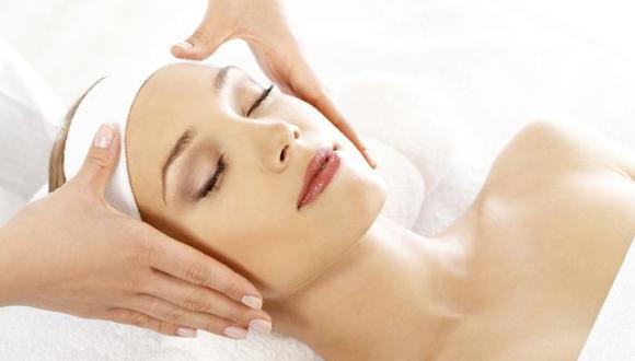 La exfoliación ayuda a retirar las células muertas del rostro. (USI)