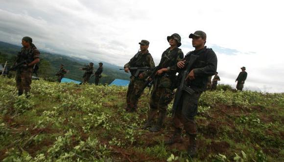 CHOQUE. Policía tuvo que usar la fuerza para repeler el ataque. (Perú21)