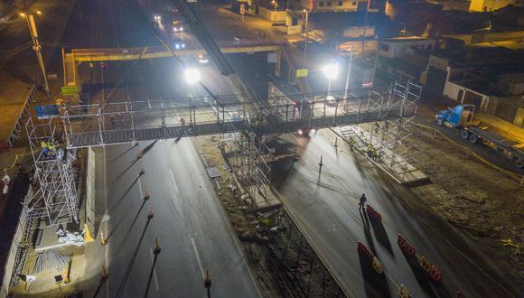 """Esta estructura está ubicada a tan solo 30 metros del puente """"San Luis"""" (Rutas de Lima)"""