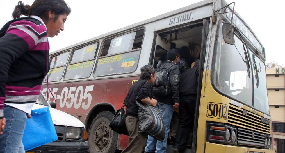 Choferes de transporte público sin SOAT o revisión técnica recibirán de 1 a 3 años de cárcel tras modificación de ley publicada en Decreto Supremo. (Foto: Andina)