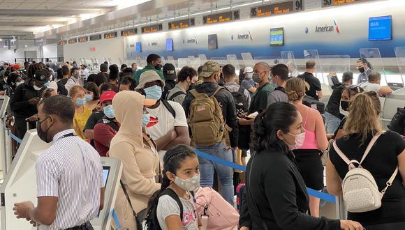 Desde la detección del primer caso en las Américas en enero de 2020 hasta la fecha, la región suma casi 88,5 millones de infecciones confirmadas. (Foto: Daniel SLIM / AFP)