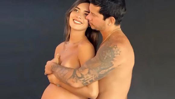 Korina Rivadeneira y Mario Hart protagonizan tierna sesión de fotos