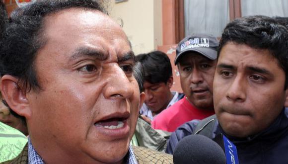 Los críticos de Santos señalan que solo busca solucionar sus problemas personales. (F. Valle)