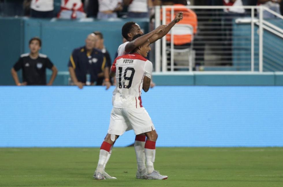 Goleada de la Blanquirroja 3-0 en el 'Clásico del Pacífico'. (Selección Peruana/Twitter)