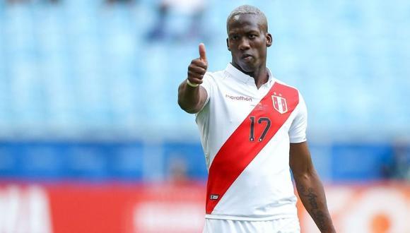 Luis Advíncula llegará a Buenos Aires para fichar por Boca Juniors. (Foto: Agencias)