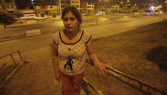 Olinda Escobar asegura que detención de su esposo Hilario Moya es arbitraria. (Alfredo Orbegoso)