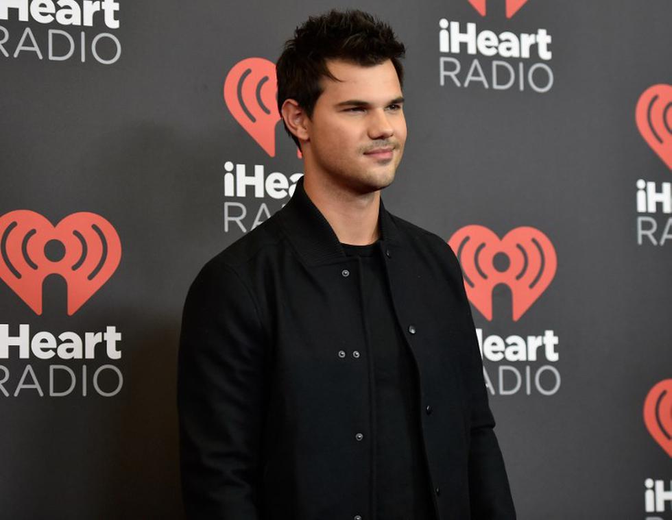 Taylor Lautner comparte tierno TBT con Jonathan Bennett   Foto: AFP