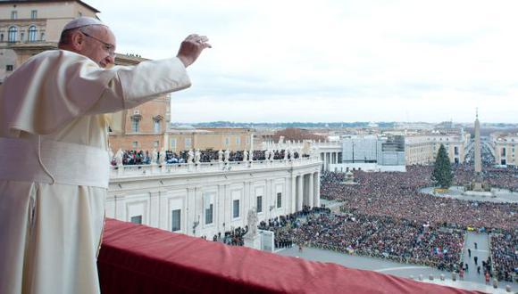 Papa Francisco pide fin de guerras en su bendición. (AP)