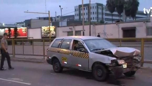 El accidente ocurrió a las 04:30 a.m., y al lugar llegaron unas cinco unidades de los Bomberos. (Captura: TV Perú Noticias)