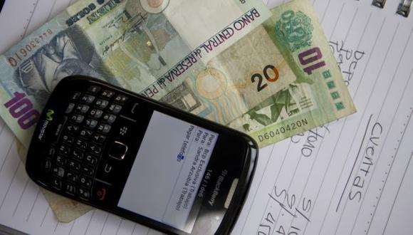 BILLETERA MÓVIL. Propuesta permite el uso del celular para hacer operaciones monetarias. (USI)