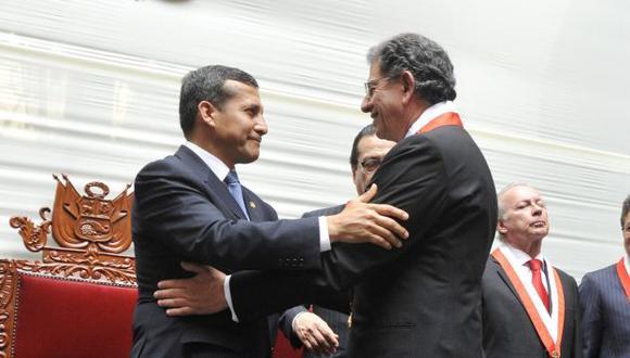 Óscar Urviola y Ollanta Humala intercambiaron posiciones sobre el tema de los bonos agrarios. (Difusión)