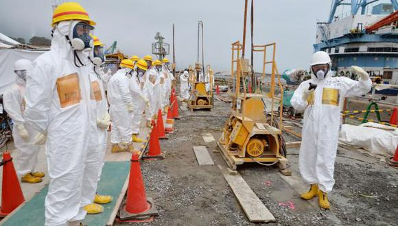 Aumentarían número de técnicos para cumplir plazos en Fukushima. (AP)