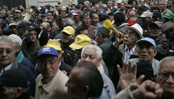 Jubilados podrán acceder al retiro desde los 55 años. (Rodrigo Málaga)