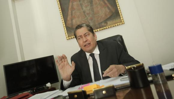 Eloy Espinosa-Saldaña se encuentra con el mandato vencido desde junio del año pasado (Foto: GEC).