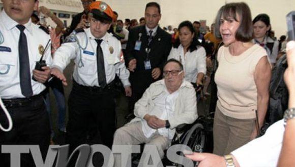 Accidentado viaje a Cancún de la pareja. (TV Notas)
