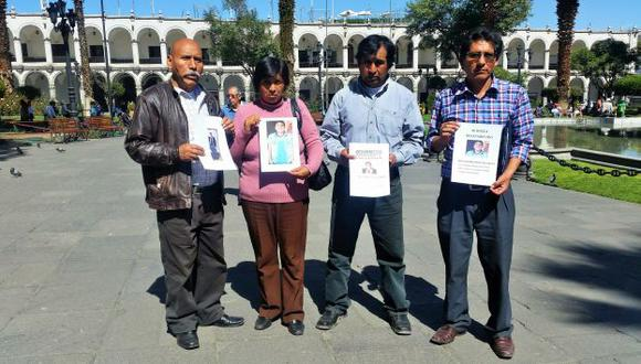 Madre y familiares de joven desaparecido piden ayuda. (Gessler Ojeda)