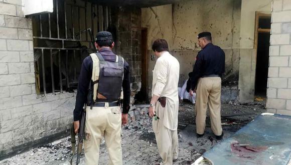El ataque ocurrió en la entrada de un hospital en la aldea de Kotlan Saidan, en las afueras de la ciudad noroccidental de Dera Ismail Khan. (Foto: AFP)