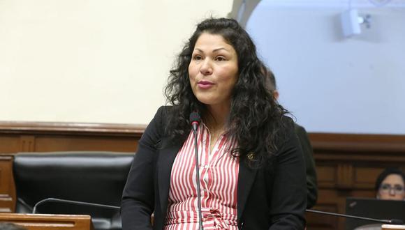 La congresista Yesenia Ponce, de Fuerza Popular, calificó como inconsistente el informe de la Comisión de Ética que recomendó su suspensión por 120 días. (Foto: Congreso de la República)