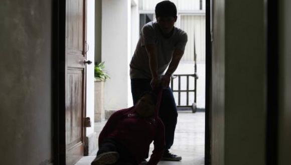 La víctima contó que es la primera vez que denuncia a su pareja pese a que atacada físicamente en otras oportunidades (Foto: Referencial/Andina)