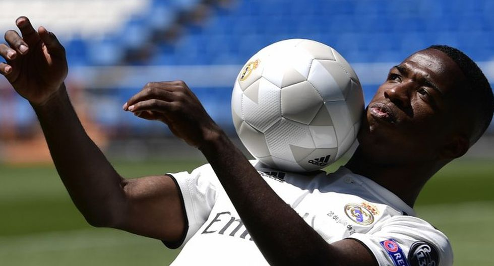 Vinicius Junior podría debutar con el Real Madrid. (Foto: AFP).