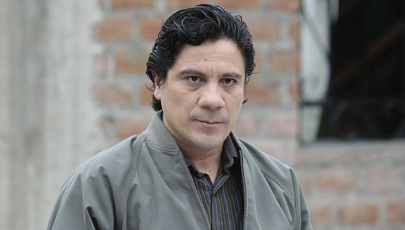 Como que 'Lucho Gonzales' andaba mintiendo a todos en 'Al fondo hay sitio'. (Rafael Cornejo/Perú21)