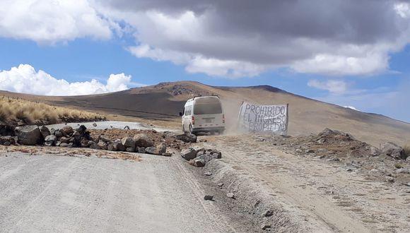 Los comuneros bloquearon la via obstaculizando el paso de los vehículos. (Perú21)