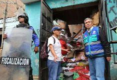 Clausuran almacenes de reciclaje que invadían la vía pública de avenida Morales Duárez