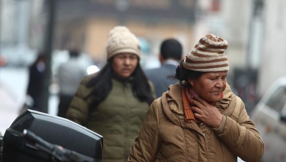 Más frío. Ningún abrigo es suficiente para contrarrestar el clima.