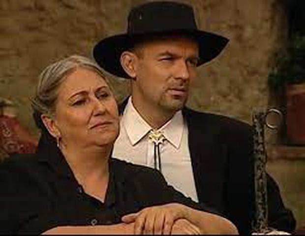 Clemensia killer Carmela Cordillo, evil villain and servant of Fernando Escondon