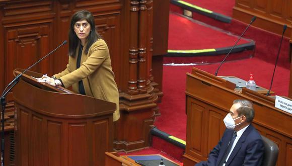 La ministra de Economía, María Antonieta Alva, acudió este viernes al Congreso junto al primer ministro Walter Martos. (Foto: MEF)