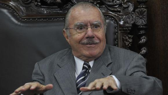 José Sarney es vinculado al delito de obstaculización de justicia en las investigaciones del caso Petrobras (Surealista.com.br).