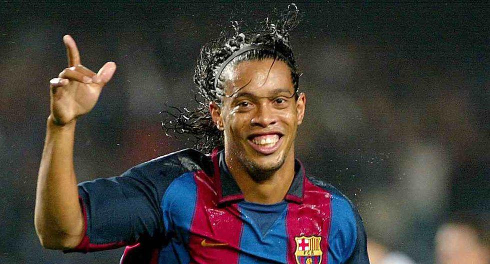 Ronaldinho llegó al Barcelona desde el PSG en 2003. (Foto: AFP)