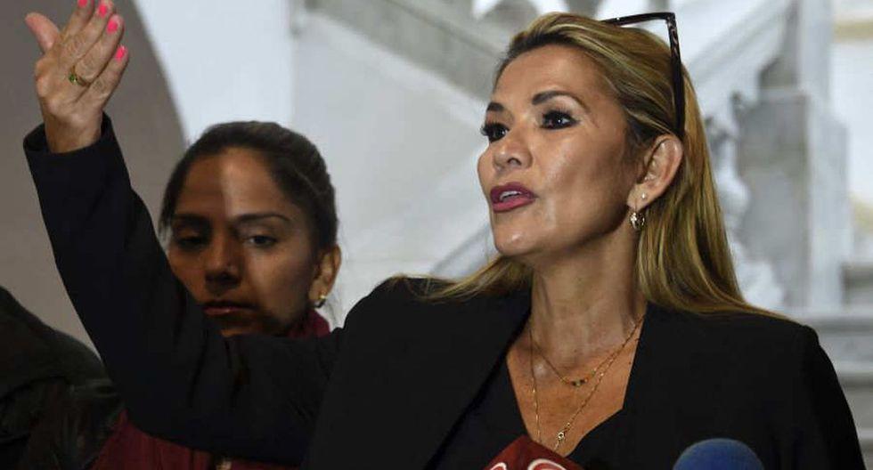 Senadora Jeanine Añez asume la presidencia provisional tras la renuncia de Morales. (Foto: AFP)