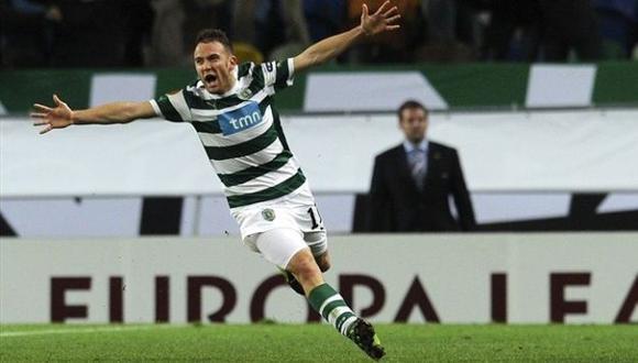GOLPE AL 'LOCO'. Capel celebra el 2-1 ante el cuadro de Bielsa. Insúa y Carrillo van por él.  (UEFA)