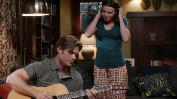 """""""Alguien salvó mi vida esta noche"""" rastrea los puntos de vista muy divergentes de Amelia y Link cuando se trata de su relación. (Foto: ABC)"""