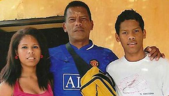 Yair Clavijo posa al lado de su papá. (Difusión)