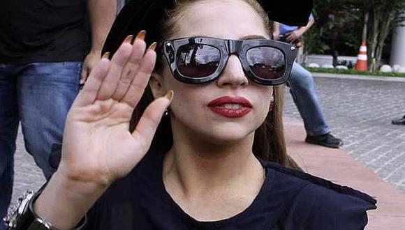 Lady Gaga ya dejó la silla de ruedas. (Difusión)