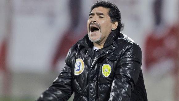 Maradona está dispuesto a reunirse con el titular del fisco italiano. (AP)