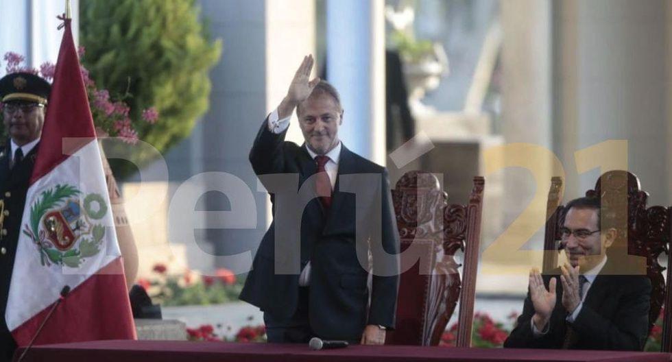 Jorge Muñoz juró como alcalde de Lima en el Circuito Mágico del Agua. (Foto Hugo Pérez)