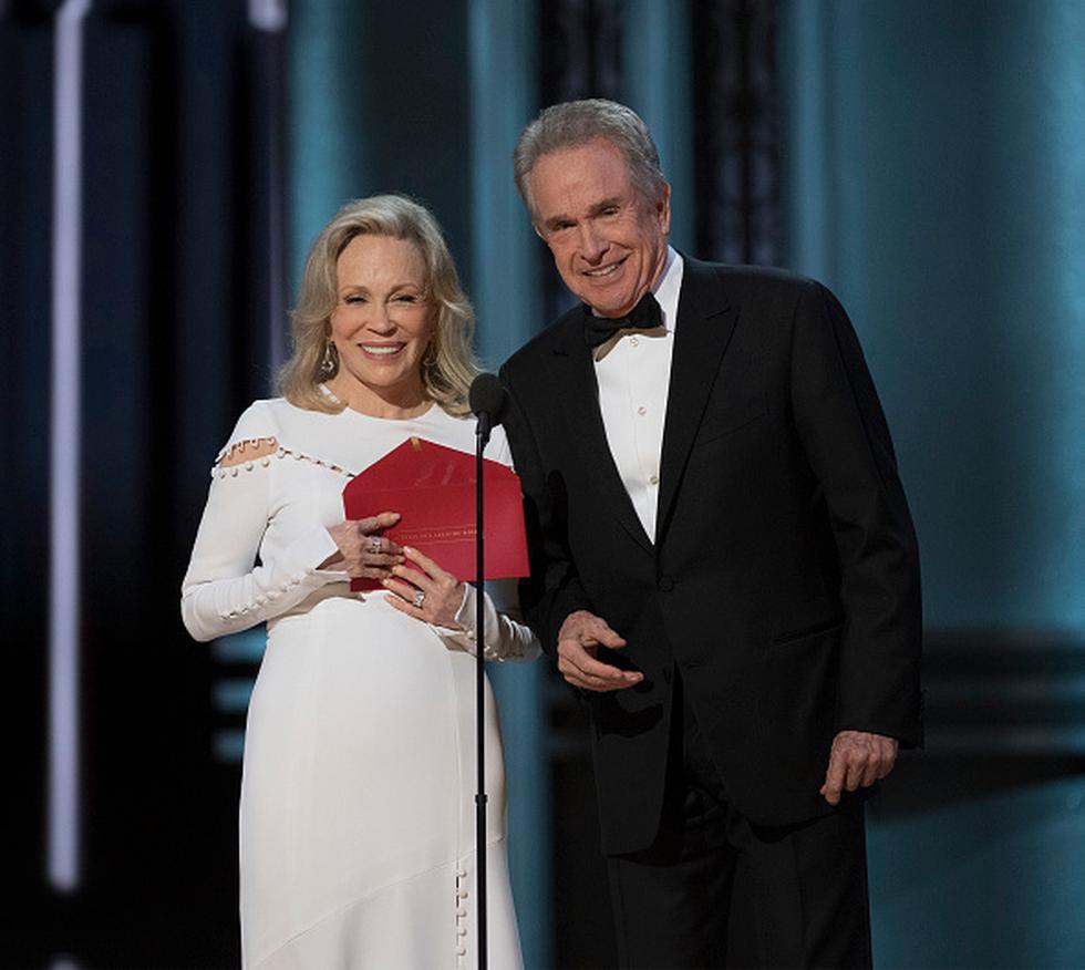 Ha pasado un año de la terrible equivocación que marcó una anécdota más en la historia de los Premios Oscar. Y parece ser que los mismos presentadores y responsables del error, Warren Beatty y Faye Dunaway, volverán a anunciar al ganador de este año. (Getty)