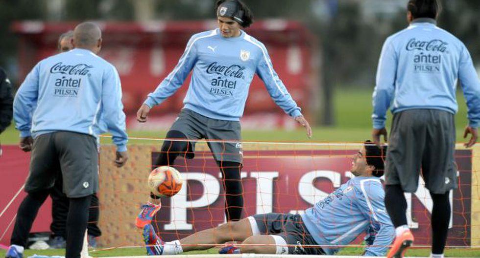 CAMBIO DE RECETA. Tras el empate con Venezuela, Uruguay opta por ser más ofensivo. (AP)