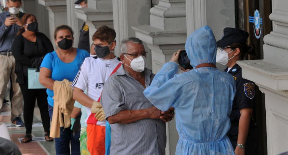 Ecuador confirma más de 180.000 despidos durante la cuarentena. (Foto: Jose Sánchez Lindao / AFP)