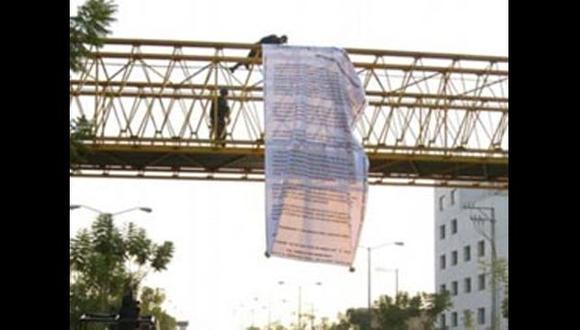 Mensajes de tregua se ubicaron en varias partes de Guanajuato. (La Vanguardia)