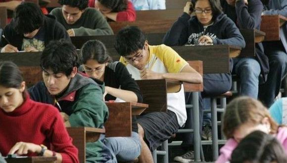 Los estudiantes rendirán el examen de admisión al curso de forma simultánea en 15 ciudades del Perú. (Foto: GEC)