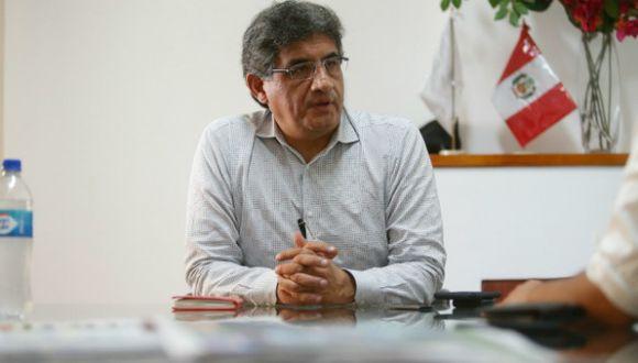 Juan Sheput sugiere a Del Castillo aclarar su posición política. (Perú21)