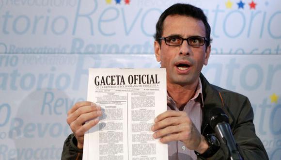 Venezuela: Capriles invocó a las fuerzas del orden a decidir entre la Constitución y Maduro. (Reuters)