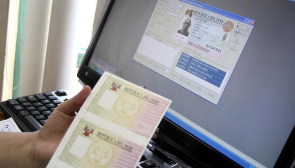 El pasaporte electrónico es tramitado en las oficinas de Migraciones. (Foto: GEC)