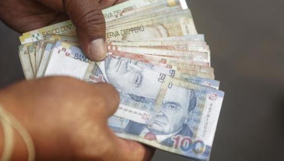 El 30 de agosto es feriado, los peruanos que trabajan ese día tienen el derecho de recibir tres sueldo por el día laborado. (Foto: USI Perú21)